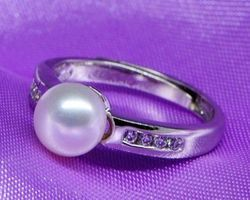 Bague en perle blanche,vermeil