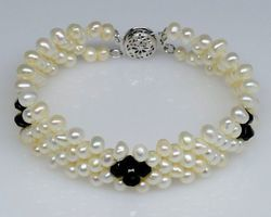 Bracelet en perle blanche | 55