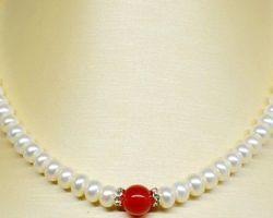 Coliers de perle blanche