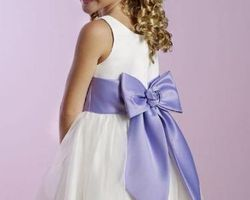 Robes pour petite demoiselle d|honneur avec boléro et noeud dans le dos